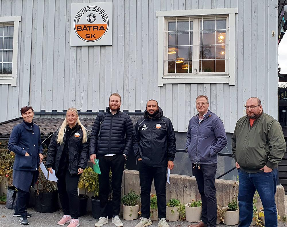 Sätra SK och Skärholmens Fastighetsägare: Jenny Karlsson, Linnea Modin, Oliver Berger, Salman Khan, Goran Jovanovic och Sonny Söderström.